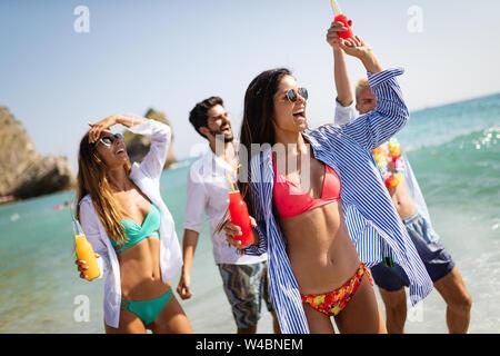 Freundschaft Freiheit beach fun Summer vacation Konzept - Stockfoto
