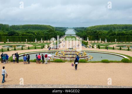 Latonabrunnen, die latona Ihre Kinder schützen - Palast von Versailles Gärten, Yvelines, Region Île-de-France Frankreich - Stockfoto