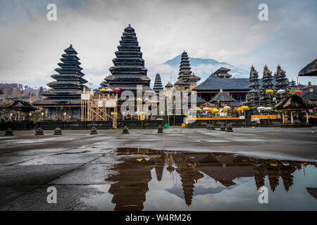 Pura Besakih Tempel, Besakih, Bali, Indonesien - Stockfoto