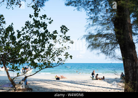 Rayong, Thailand - 31. März 2019: Blick auf die Bucht von tubtim, die eine der schönen und ruhigen Strand auf Samed Insel, der Nationalpark in der Provinz Rayong w - Stockfoto