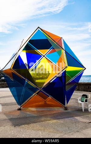 Artwork auf dem Malecon in Havanna, Kuba von der Biennale Kunstausstellung - Stockfoto