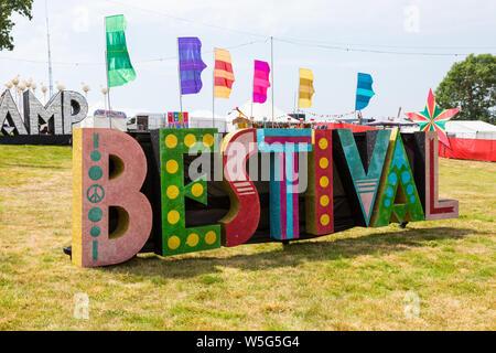 Bestival Zeichen, Camp Bestival Festival, Dorset UK - Stockfoto