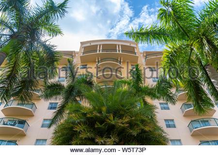 Die Fassade der Wyndham Palm-Air Resort, das zum Wyndham Verein gehört. Der Club bietet Ihnen mehr als 100 Resorts in Nordamerika und der Karibik - Stockfoto