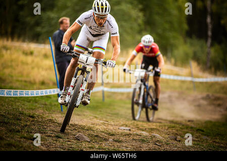SEPTEMBER 14, 2013 - HAFJELL, Norwegen. Nino Schurter an der UCI Mountainbike Cross Country World Cup. - Stockfoto