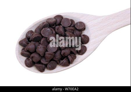 Chocolate Chip im Löffel auf weißem Hintergrund - Stockfoto