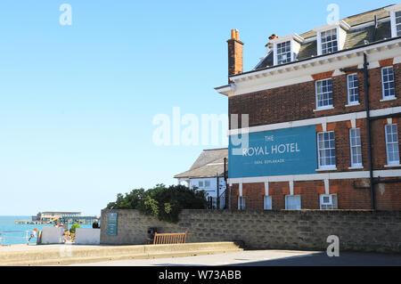 Der historischen Royal Hotel, wo Nelson verwendet, der sich an der Strandpromenade von Deal, in East Kent, Großbritannien - Stockfoto