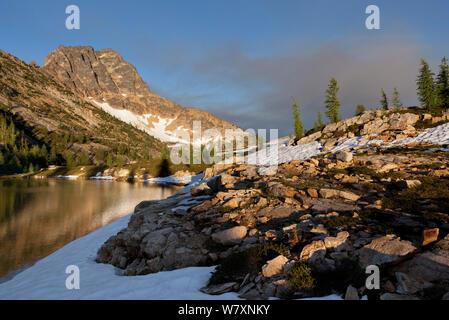Snowy Seen, North Cascades Bereich des Okanogan Wenatchee National Forest, Washington, USA, Juli 2014. - Stockfoto