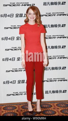 Die amerikanische Schauspielerin Emma Stone stellt während einer Pressekonferenz für ihren neuen Film, The Amazing Spider-Man 2, in Peking, China, 25. März 2014. - Stockfoto