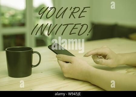 Konzeptionelle Handschrift zeigt Ihnen wieder eingeladen. Konzept Sinn machen eine höfliche freundliche Anfrage an jemand irgendwo gehen - Stockfoto