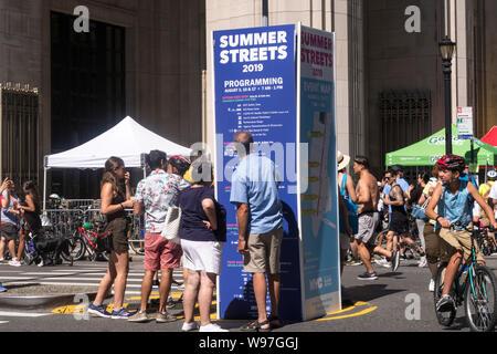 Sommer Straßen ermöglicht freien Zugang auf der Park Avenue für Läufer und Radfahrer jeden August für drei Samstag Morgen, NYc, USA - Stockfoto
