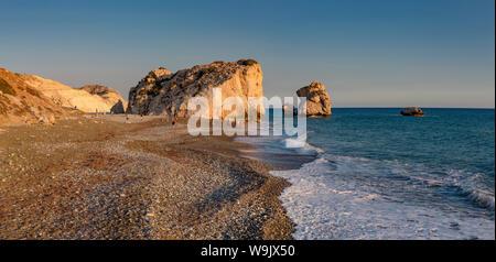 Felsen der Aphrodite, Petra tou Romiou, Kouklia, Zypern, Zypern, 30070098 - Stockfoto