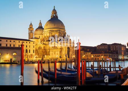 Basilica di Santa Maria della Salute am Canal Grande, Venedig, UNESCO-Weltkulturerbe, Veneto, Italien, Europa