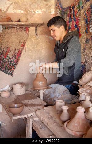 Töpferwerkstatt und Shop am Stadtrand von Marrakesch, Marokko