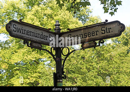 Straßenschild, Berlin, Deutschland: Swinemunder Straße und Granseer Straße - Stockfoto