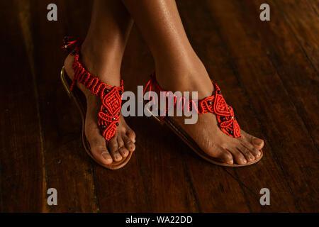 Handgefertigte macrame Sandalen von amaru Kolumbien - Stockfoto
