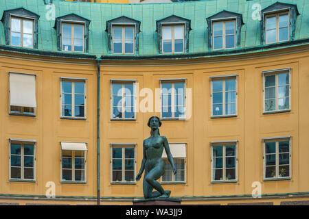 Platz von branting Innenhof (Brantingtorget) und die Statue der Morgen in Gamla Stan, der Altstadt von Stockholm, Schweden - - Stockfoto