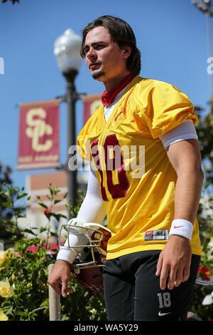 USC Trojans quarterback JT Daniels (18) Praxis während der USC Trojans am Montag, August 12, 2019 (Foto von Jevone Moore) - Stockfoto