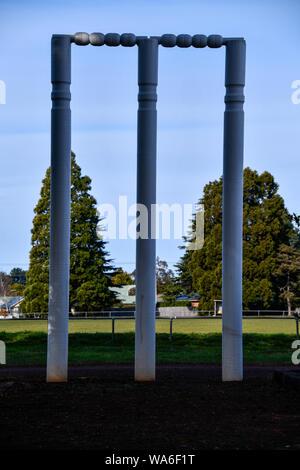 Die großen Wickets Cricket Baumstümpfe, Westbury, Tasmanien, Australien - Stockfoto