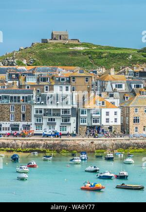 Erhöhten Blick auf den beliebten Badeort St. Ives, Cornwall, England, Vereinigtes Königreich, Europa - Stockfoto