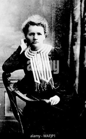 Marie Curie Sklodowska (7.11.1867 - 04,17. 1934) ist ein weltweit bekannter Physiker und Chemiker bekannt für ihre Arbeit an Radioaktivität. Marie war in Warschau in Polen geboren und zog später nach Paris ihr Studium weiter. Sie war die erste Frau, die den Nobelpreis und die erste Person, die Nobelpreise erhalten zu vergeben, in Physik und Chemie werden. fot. Jan Morek/Forum - Stockfoto