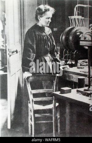 Marie Curie Sklodowska (7.11.1867 - 04,17. 1934) ist ein weltweit bekannter Physiker und Chemiker bekannt für ihre Arbeit an Radioaktivität. Marie war in Warschau in Polen geboren und zog später nach Paris ihr Studium weiter. Sie war die erste Frau, die den Nobelpreis und die erste Person, die Nobelpreise verliehen zu erhalten, in der Physik und Chemie rep.. Janusz Sobolewski/FORUM - Stockfoto