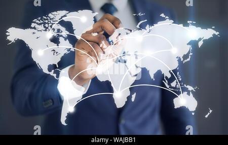 Geschäftsmann mit Verbindungen auf das Wort Karte - Stockfoto