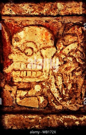 Ein Steinmetz aus den Ruinen an der Toltec Indischen Hauptstadt von Tula, Mexiko - Stockfoto