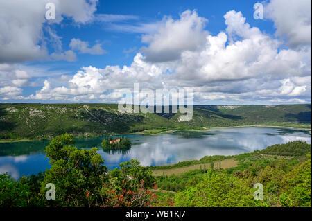 Europa, Europa, Kroatien, Dalmatien, Nationalpark Sibenik-Knin CountyKrka Visovac Kloster, Franziskanerkloster, Insel Visovac,, 30078053 - Stockfoto