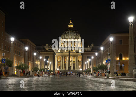 Peter Dome in Rom bei Nacht - Stockfoto