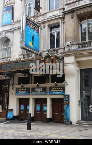 LONDON, Großbritannien - 9. JULI 2016: Gielgud Theatre im West End, London, UK. West End Theater verkauft 14,4 Millionen Tickets in 2013. - Stockfoto