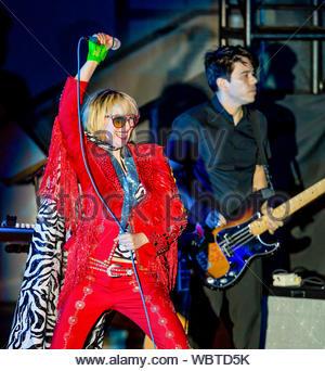 Las Vegas, NV-Yeah Yeah Yeahs am Boulevard Pool im Cosmopolitan Hotel und Casino in Las Vegas. AKM-GSI, 13. April 2013 - Stockfoto