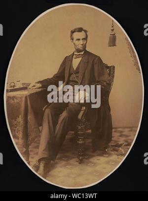 Us-Präsident Abraham Lincoln, Kartenlänge sitzt Portrait eine Woche bevor er gab der Gettysburg Address, Foto von Alexander Gardner, 8. November 1863 - Stockfoto