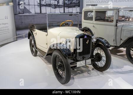 Ein BMW Dixi 3/15 PS DA 1 (1928), Teil der 90 Jahre BMW Automobile, BMW Museum, München, Bayern, Deutschland. - Stockfoto