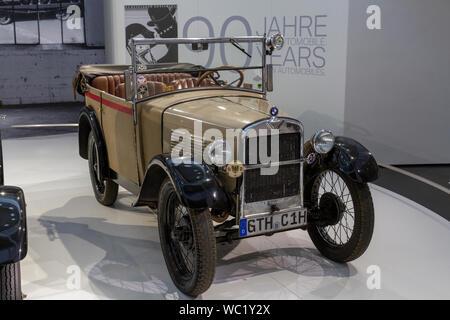 Ein BMW 3/15 PS DA 2 (1929), Teil der 90 Jahre BMW Automobile, BMW Museum, München, Bayern, Deutschland. - Stockfoto