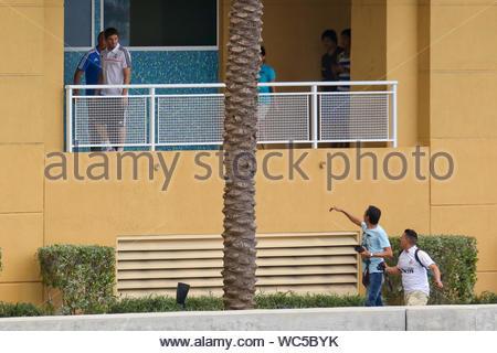 Miami, FL - Real Madrid Spieler genossen ein Morgen aus der Praxis in Miami, Iker Casillas und Xabi Alonso Frühstück am Pool genossen, während sich die brasilianischen Verteidiger Marcelo geschlafen und genossen die Aussicht von seiner Suite. Die Weißen landete an der Florida City International Airport in der vergangenen Nacht nach fünf und eine halbe Stunde Flug, und machten sich auf den Weg zum Mandarin Oriental Hotel, wo das Team wird während ihrer Reise nach Miami. Die weißen Gesicht weg gegen Chelsea diesen Donnerstag für die Internationale Champions Cup Finale in der Sun Life Stadium. AKM-GSI, 6. August 2013 - Stockfoto