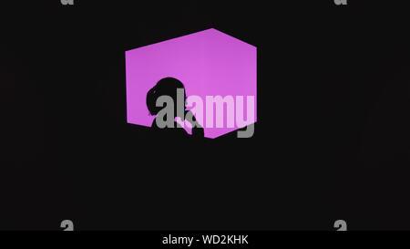 Silhouette Frau von rosa Licht auf schwarzem Hintergrund - Stockfoto
