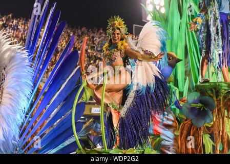 RIO DE JANEIRO, BRASILIEN, März 9, 2019: Parade der Sambaschule Portela sambadrome von Rio de Janeiro in Brasilien - Stockfoto