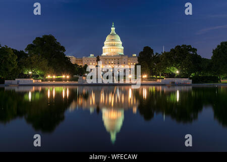 United States Capitol Building bei Nacht
