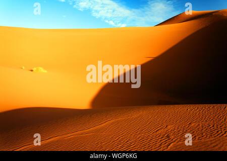 Malerischer Blick auf Sand Dünen von Erg Chebbi Wüste - Stockfoto