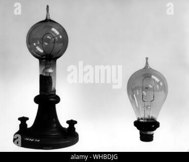 Swan experimentelle carbon Druckbleistift Lampe 1878-9 - zwei frühe kommerzielle Lampentypen c 1880 - durch den englischen Chemiker, Joseph Swan (1827-1914). Diese l - Stockfoto