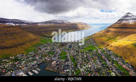Antenne Panorama der Stadt von klaksvik auf den Färöer Inseln, Dänemark - Stockfoto