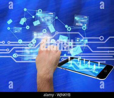 Zeiger gegen weiße Platine auf blauem Hintergrund - Stockfoto