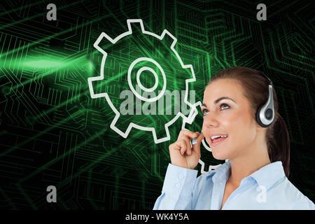 Das zusammengesetzte Bild von Cog und Rad mit Call center Arbeitnehmer gegen grüne und schwarze Platine - Stockfoto