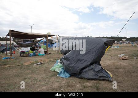Kostrzyn nad Odra, Polen - 05 August 2018: die Sicht der Menschen auf Camping während Pol und Rock Festival früher Woodstock Festival - Stockfoto