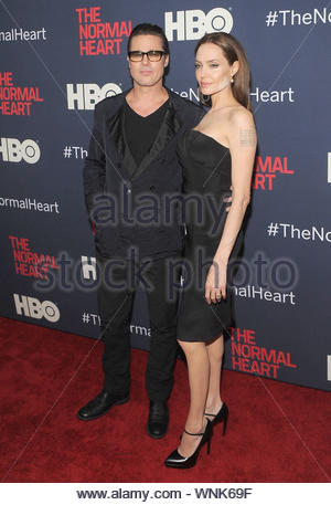 New York, NEW YORK - Brad Pitt und Angelina Jolie an normalen ÔThe HeartÕ Premiere auf der Ziegfeld Theater in New York City. AKM-GSI Mai 12, 2014 Diese Fotos zu lizenzieren, wenden Sie sich bitte an: Steve Ginsburg (310) 505-8447 (323) 423-9397 steve@akmgsi.com Sales@akmgsi.com oder Maria Buda (917) 242-1505 mbuda@akmgsi.com Ginsburgspalyinc@gmail.com - Stockfoto