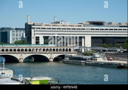 Architektur: Borja Huidobro, Paul Chemetov; das französische Ministerium für Wirtschaft und Finanzen (französisch Ministère de l'Economie et des Finan - Stockfoto