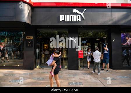 Shanghai, China. 7. Sep 2019. Deutsche multinationale Schuh- und Sportswear Puma Store in Shanghai. Credit: Alex Tai/SOPA Images/ZUMA Draht/Alamy leben Nachrichten - Stockfoto