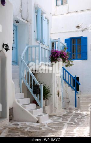 Griechenland, Kykladen, Mykonos, Mykonos-Stadt (Chora), Altstadtgasse - Stockfoto