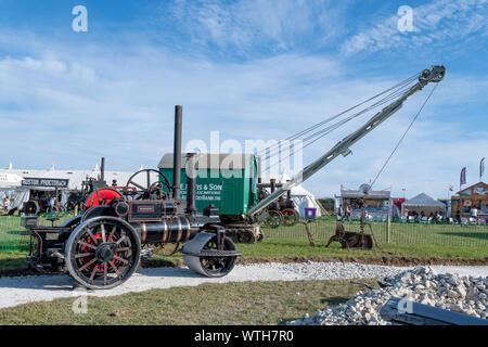 Blandford Forum. Dorset. Vereinigtes Königreich. 24. August 2019. Ein restauriertes vintage Dampfwalze ist auf Anzeige an der Great Dorset Steam Fair. - Stockfoto