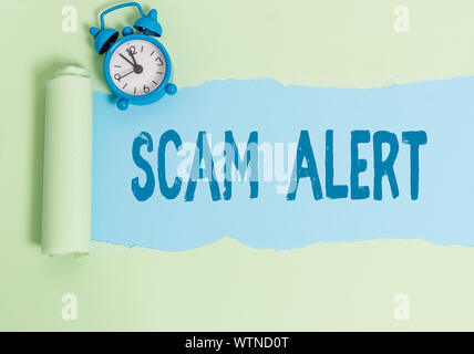 Handschrift Text schreiben Scam Alert. Konzeptionelle Foto unerwünschte Werbe-E-Mails, die behauptet, die Aussicht auf ein Schnäppchen - Stockfoto